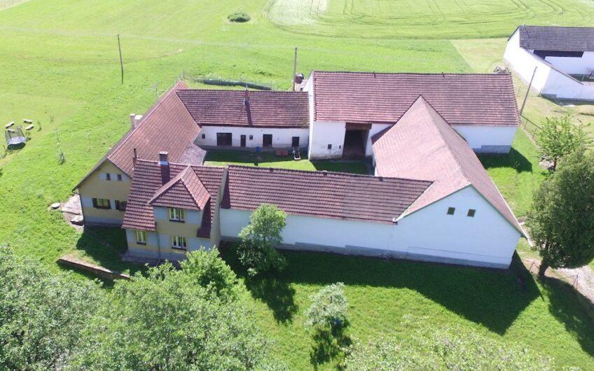 Prodej domu v osobním vlastnictví 770 m², Světce