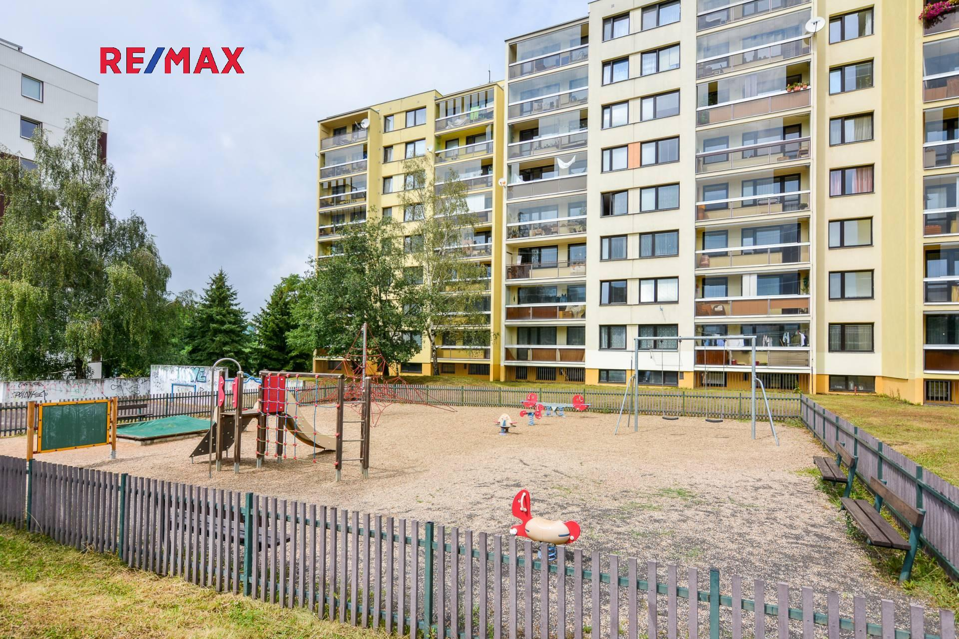 Prodej bytu 3+1 v osobním vlastnictví 74 m², Praha 8 - Troja